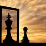 Narcisista cerca specchio per relazione