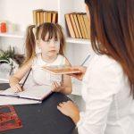 Fare i compiti: bambini e genitori